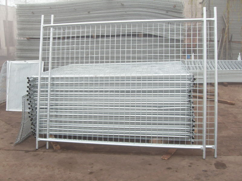 Create A Temporary Garage With Fence Panels